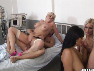 Очень юные жопы порно видео