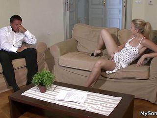 секс зрелых женщин смотреть без регистрации