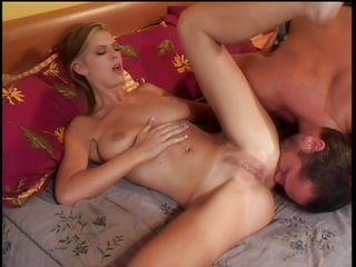 Порно видео красивые делают минет